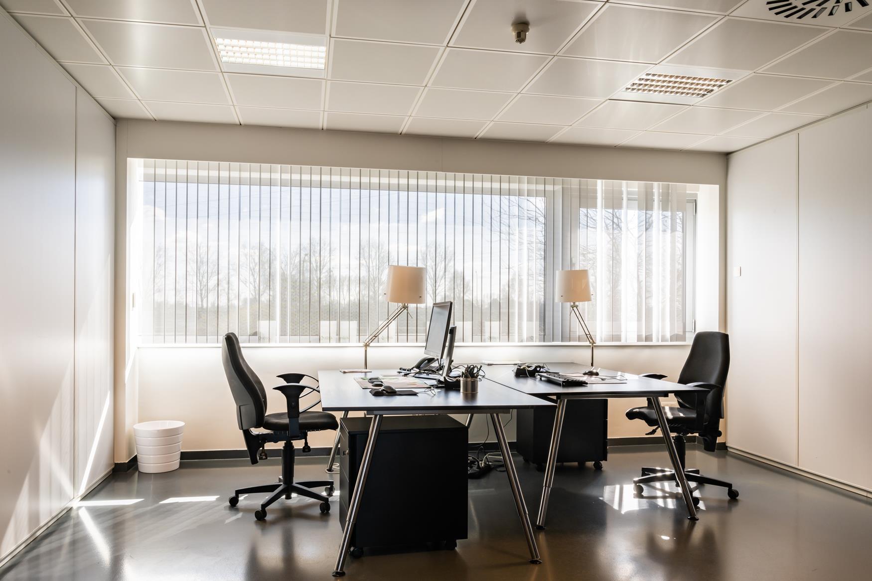 Kantoren-Bedrijvencentrum-Aalst-1